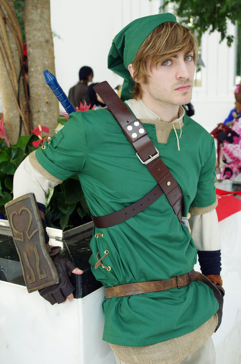 captinxclint:  Now that's an ADULT Link  My ovaries D,: