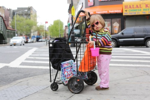 humansofnewyork:  When the world gets tough, a girl's gotta keep on pushin'.  HONY…at my subway stop! I recognized the dunkin donuts -_-