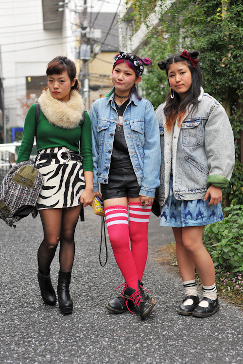 the girl on the far left-i am JEALOUS!!!! i want that outfit!