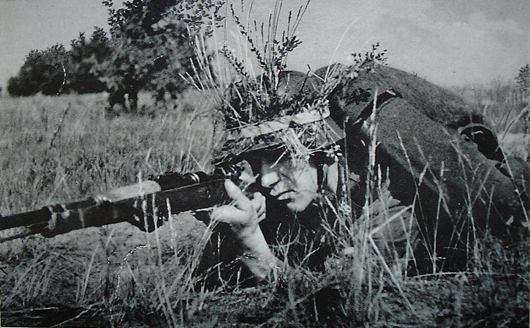 obuswolf:  German soldier with a Kar98k