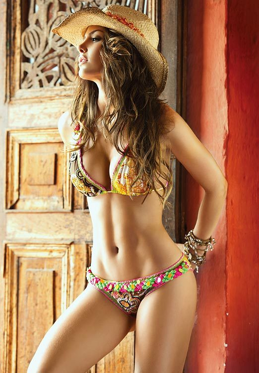 femalesofdesire:  Females Of Desire Natalia Velez