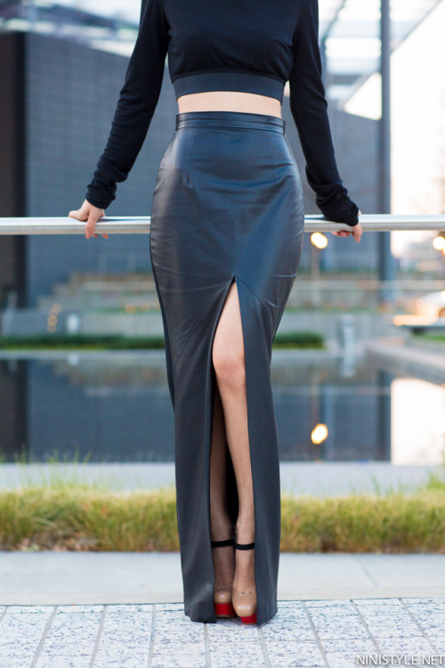I love leather, maxi skirts, and amazing heels.  This photo = AMAZING!