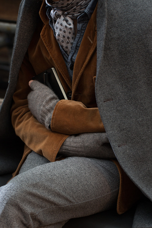 browndresswithwhitedots:  The Sartorialist