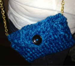 Here's the clutch bag that I started making last Monday. Luckily, I got it done before New Year's Eve, which is what I was hoping for. The chain makes it look that much better.