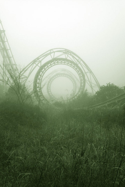 (via 30  of the most beautiful abandoned places and modern ruins i've ever seen - Blog of Francesco Mugnai)
