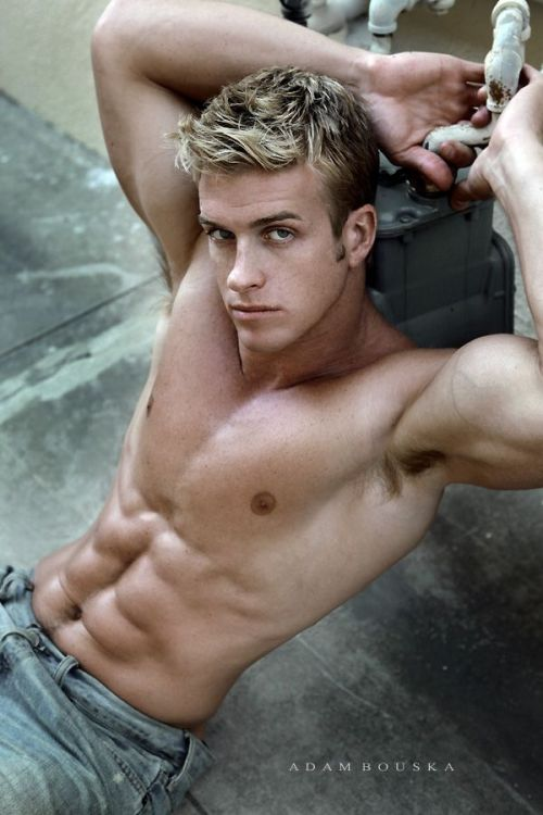 #James_Ellis #shirtless perfect #abs .. enjoy .. #icame   masculineform:  James Ellis