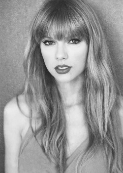forthosewhocravefashion:  Taylor Swift