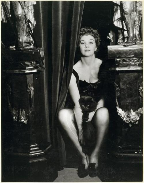 foxesinbreeches:  Leonor Fini by Dora Maar, 1936