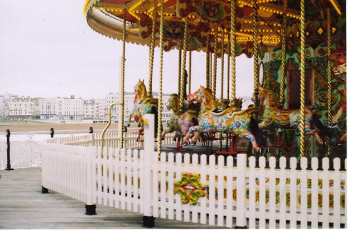 issoure:  brighton by frankiemarkot on Flickr.