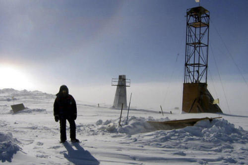 "More on the Russian discovery in Antarctica. bylinebeat:  Unidentified Life Form Found in Antarctic Lake It looks like drilling through 2.3 miles of ice may have paid off: The Russian scientists who did just that last year at Antarctica's Lake Vostok say the samples they recovered contain an ""unclassified and unidentified"" life form, reports the BBC.The bacteria's DNA measured less than 86% similar to that of previously existing life forms—which the team's leader explains is ""basically zero"" when it comes to DNA. ""A level of 90% usually means that the organism is unknown."" ""If this had been found on Mars everyone would have undoubtedly said there is life on Mars,"" continued the scientist, who says fresh samples will be retrieved from the subglacial lake in May. ""But this is bacteria from Earth."" Lake Vostok is so oxygen-rich—about 50 times more so than freshwater lakes—that any microbes living in it must have evolved special adaptations to survive there, notes the Daily Galaxy. Photo Credit: (Reuters)"