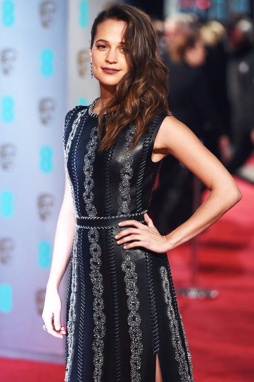 2016 BAFTA AWARDS: RED CARPET