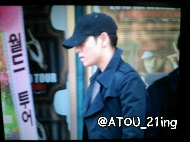 [FanTaken] TOP Leaving G-Dragon Concert Venue (130331) Source: as tagged