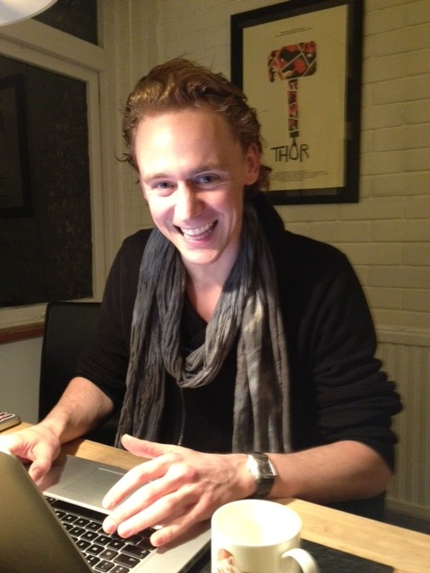 cutenessoverload-hiddleston:  I was just wondering if I'm the only one out there who really wants to know what Tom is doing when he's at home - alone… PS: This is one of the cutest pics ever!! <3  Today I learned that I have the same laptop as Tom Hiddleston. Nice.