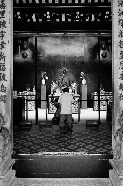 five-foot-way:  Prayer © 2013 Tham Jing Wen. All rights reserved.  Something I shot when I still had my Hexar RF.