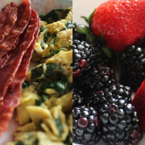 I made brekfest. #eggs #spinach #turkeybacon #blackburriez #strawburriez #breakfastforchamps #AKAme #AKAandmygrandma #yummy