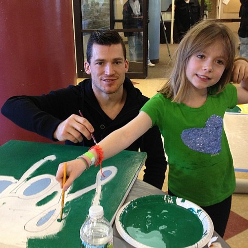 Andrew Ference on the B's off day volunteering with daughter Ava for #Project351. #nhlbruins
