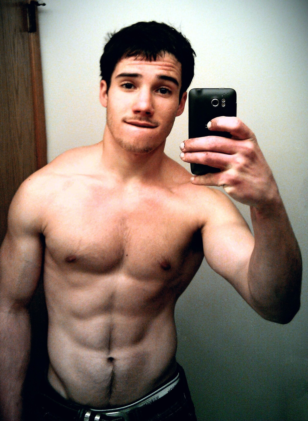 edcapitola:  He's got a great face and hot body. Follow me and I'll follow you … http://edcapitola.tumblr.com