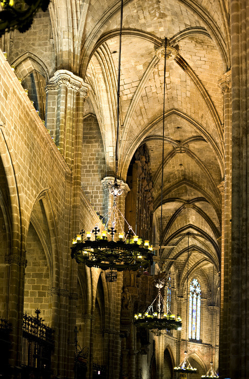 Arches, Barcelona, Spain photo via galava