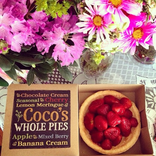 Happy Mother's Day!!! // my mom's favorite pie // #mom #mothersday #strawberry #strawberrypie #coco #cocosbakery #flowers