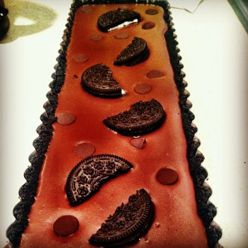 thecleanplatesociety:  The time I made a dark #chocolate #oreo #tart #yum
