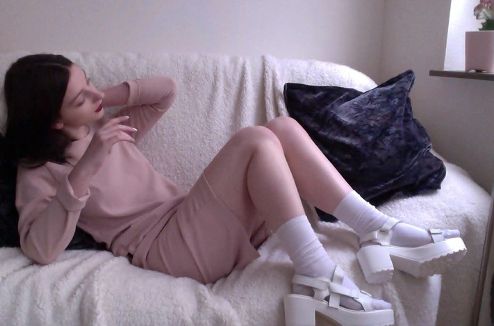 pale-body:  ✿pale/pretty here✿