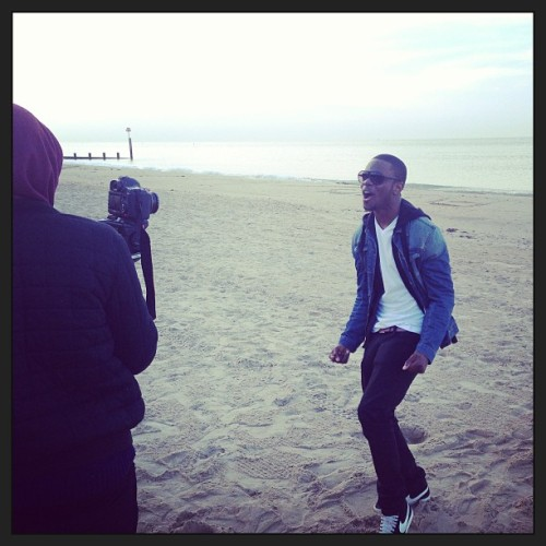 Shooting the video for my new single 'Let Go' feat. @seyiofficial #BeachVibes #Bournemouth