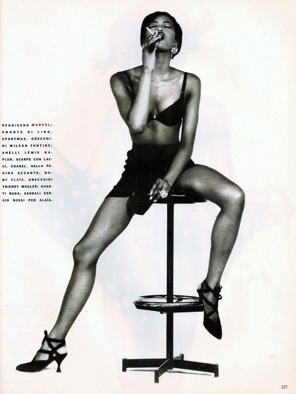 hfgl:  Minni Me Model: Naomi Campbell Ph: Ellen von Unwerth Hair: Sam McKnight Make-up: Laurie Starret scan by kelles