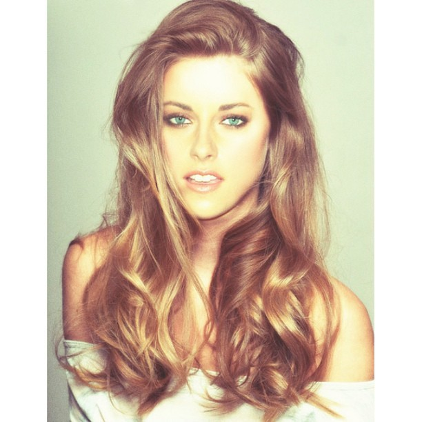 nicolehowlin:  Debating on going lighter and doing this to my hair. Yes or no?