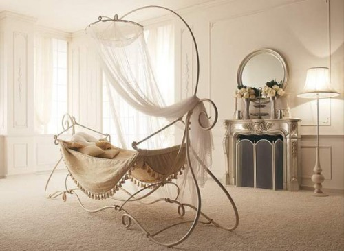 Charming Wrought Iron Canopy Bed – Amaka by Giusti Portos