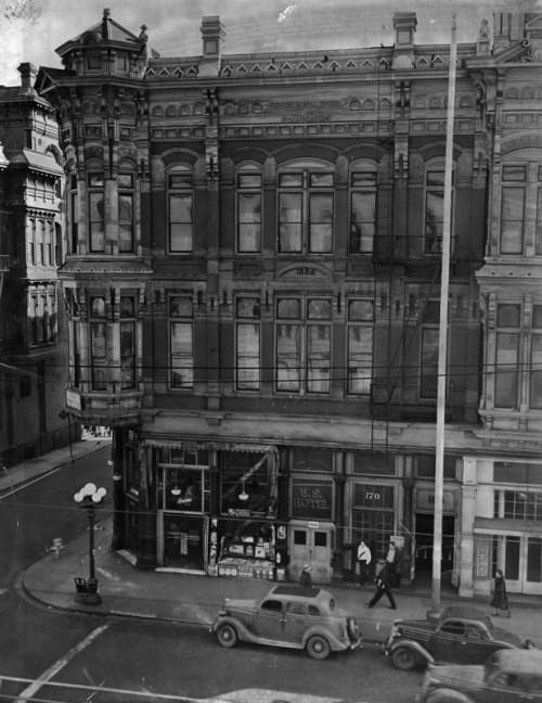 The U.S. Hotel at 170N. Main Street, Los Angeles, 1939.