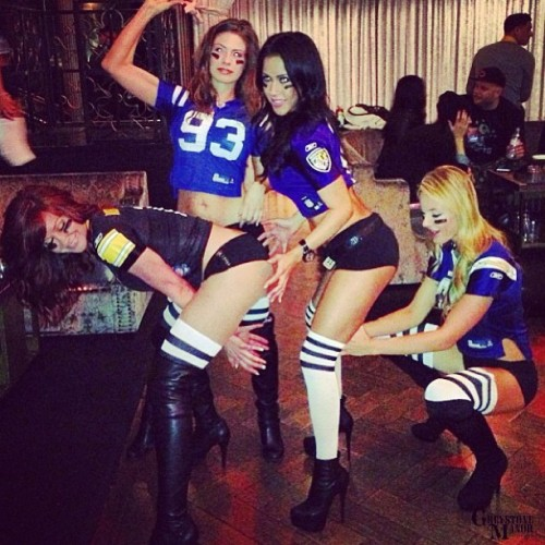 It's all about #teamwork! #GreystoneGirls #special #event #lanightlife #girls #party #football #sbefam #LosAngeles #latergram   (at Greystone Manor)