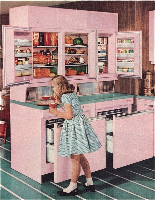 theniftyfifties:  The mid-century kitchen: a 1957 GE Refrigerator.
