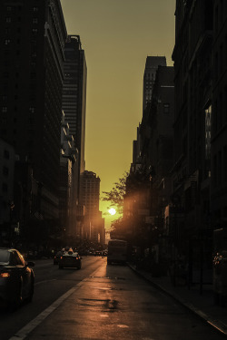 c1tylight5:  Sunset over 6th Avenue | Vasiliki Emmanouilidi