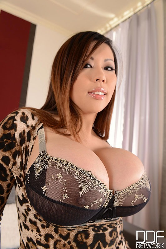 Retro fuck picture Asian girl and her toy 1, Hard porn pictures on carfuck.nakedgirlfuck.com