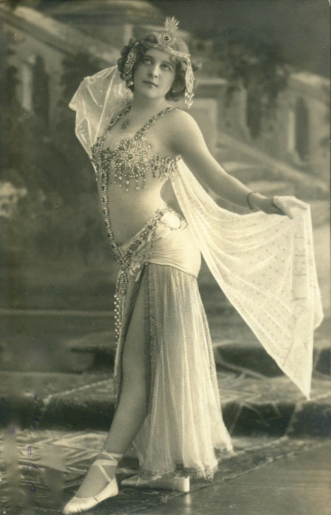 maudelynn:  Gorgeous Turn of the Century Belly Dancer Postcard
