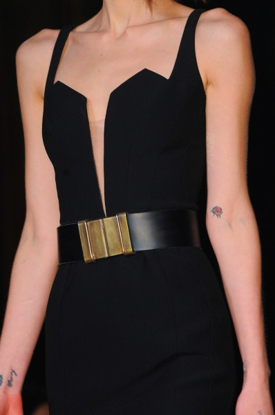 evoleur:  the-bible-of-fashion:  Hakaan FW 13  Black on gold