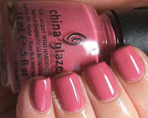 China Glaze Life is Rosy: Swatch and Review. Please click through for my full review.  #nailpolish #chinaglaze, #bblogcoalition #bbloggers