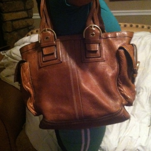 I just added this to my closet on Poshmark: Big coach purse. (http://bit.ly/10kpiWP) #poshmark #fashion #shopping #shopmycloset
