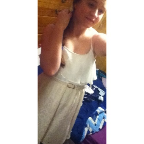 Hahah, decided to put on my dress again. & yeah I look bad ;c