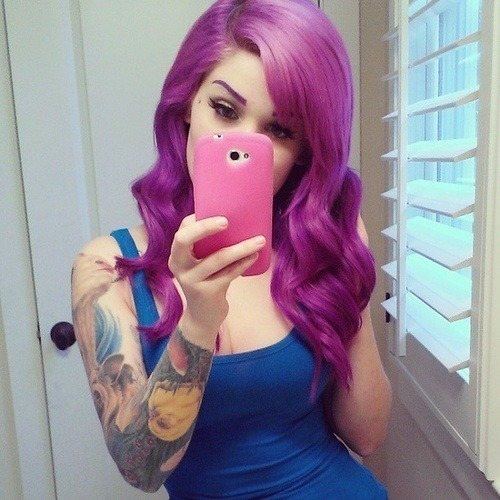 I don't usually post a bunch of crazy hair colors just cause there are plenty of blogs for that…but this hair color was to perfect to not share.