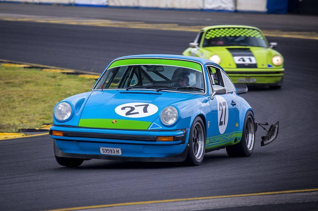 Wayne was too good this weekend, regardless of the dangling tail light, taking out the Enduro event at the Tasman Revival #porsche #911 #carrera3