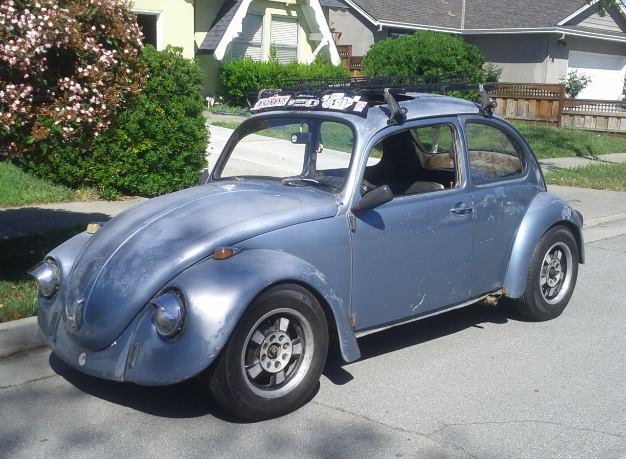 Moonlapsed submitted: My new (to me) 1968 VW Bug. It's a 100-footer right now but I'm slowly working on it! This is my second Bug, after my '72 Super Beetle was wrecked a few years ago. Submission Sunday