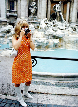 theswinginsixties:  Nancy Sinatra in Italy, 1966.