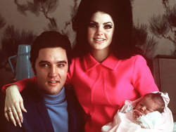 ladiesofthe60s:  Priscilla Presley with Elvis and their newborn daughter, Lisa Marie.