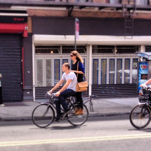 Aw! Hipster love in the EV.  (at East Village)