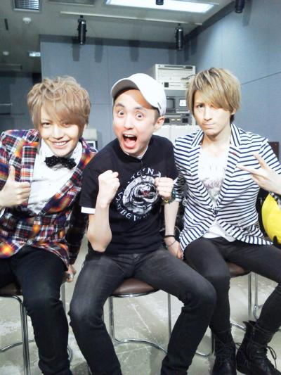 Another photo of Shou and Saga of Alice Nine on TV Saitama Music「HOT WAVE」on May 22nd, 2013.