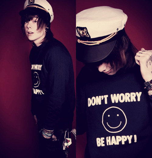 highonchrisdrew:  swag-mastahh:  christofer drew, YOU make me happy.  cute