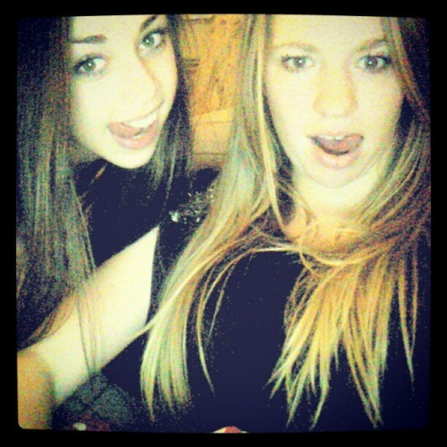 & @kusslorijn #christmas #doing #crazy #midnight #dope #hair #girls #stepsister