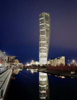 architecturepage:  Turning Torso | Malmö (by detounchin)