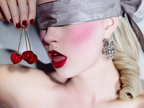 greyarea68:  Blissfully blindfolded and lost in elegance…with a cherry on top :)